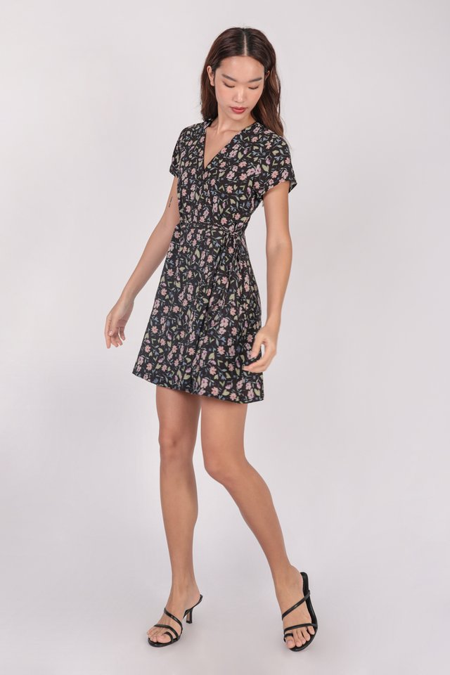 Remy Sleeved Dress (Black Florals)