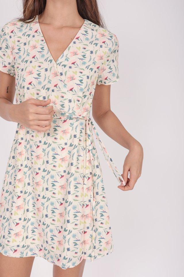Remy Sleeved Dress (Cream Florals)